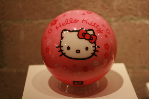 HK Historical Exhibit - Bowling Ball - Hello Kitty Three Apples Party