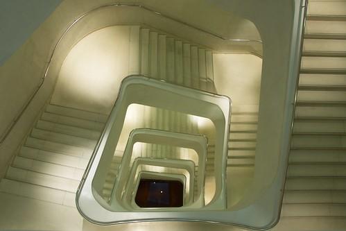 フリー画像| 人工風景| 建造物/建築物| インテリア| 階段| 螺旋階段|      フリー素材|