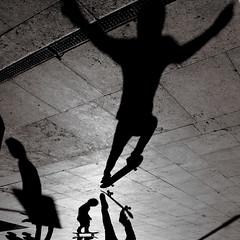 Das Glasperlenspiel (Donato Buccella / sibemolle) Tags: street blackandwhite bw italy milan boys jump shadows play milano streetphotography skate skateboard hesse stazionecentrale canon400d sibemolle fotografiastradale flickrsportitalia
