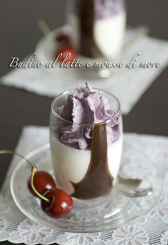 Budino al latte e mousse di more