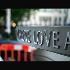 LOVE (_nejire_) Tags: england london love church dof explore 18 fp frontpage charingcross 5pm canonefs60mmmacro 50faves 10faves 25faves canoneos400d fave10 explorewinnersoftheworld fave50 fave25 10030504g10am no327