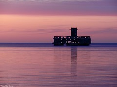 ...pink sky.... (anka.anka28) Tags: pink sunset sea sky water dusk poland polska explore torpedo gdynia morze pomorze oksywie formoza torpedownia