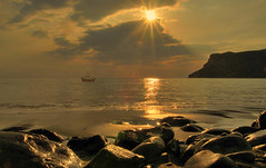Talisker Bay (BoboftheGlen) Tags: uk sunset skye island bay coast scotland rocks britain great shore talisker the4elements