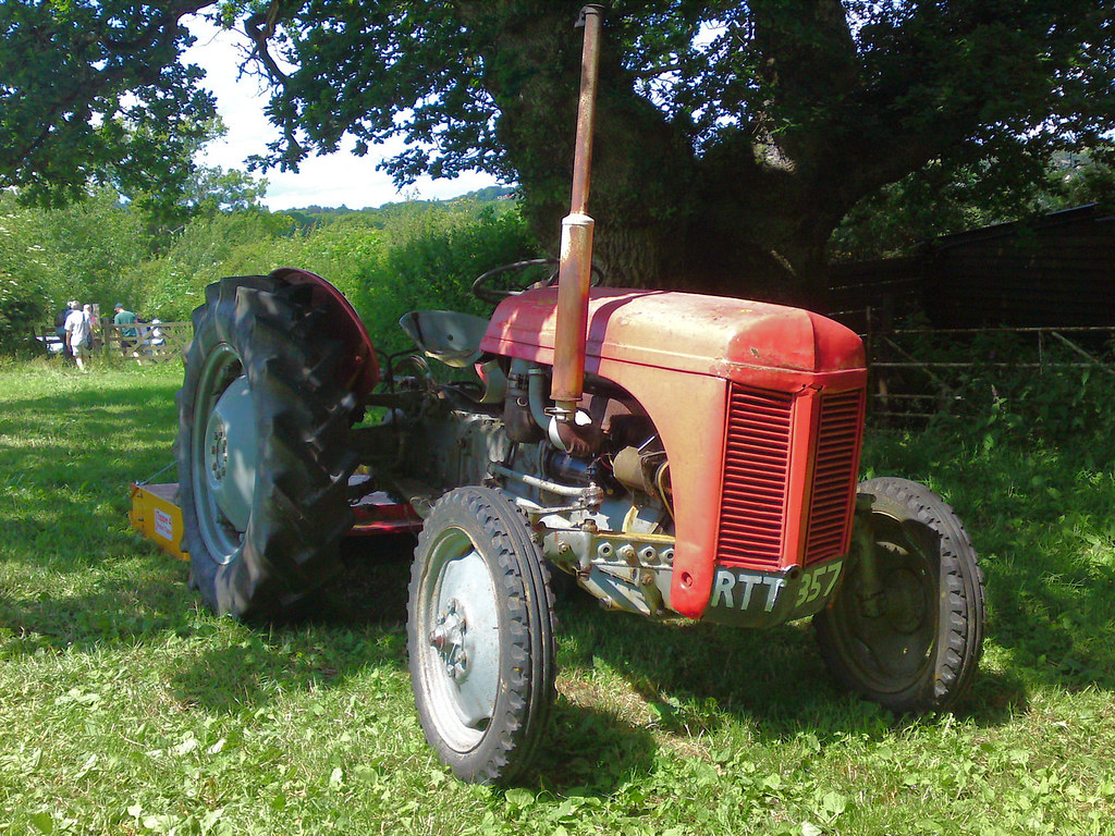 T20 Ferguson Tractor : The world s best photos of t and tractor flickr hive mind