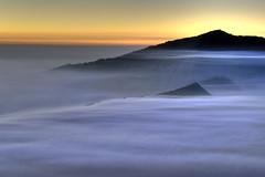 [フリー画像] [自然風景] [山の風景] [霧/靄] [朝日/朝焼け] [インドネシア/風景]      [フリー素材]