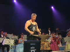 Roland Lafosse (Double Bass & Anvil) (~BC~) Tags: roland anvil doublebass jso johannstraussorchestra rolandlafosse