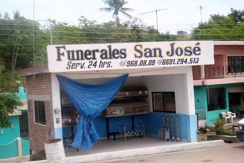 Mazatlan - 24-hour Roadside Funeral Service