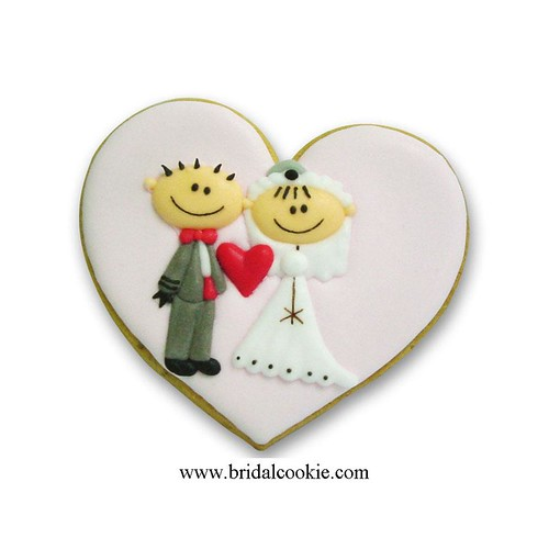 'Funny Bride and Groom' wedding cookie favor