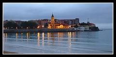 Atardecer en Xixón (trastoviejoraro) Tags: naturaleza nature paisaje gijon asturies xixón iglesiadesanpedro platinumheartaward