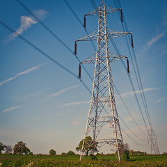 Stands firm (Simonlphoto) Tags: death cool leicester wires tall watts 75 sim amps thegrid slp plyons l8 glenfield sim75