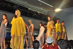 DSC_0068 (gigiv) Tags: philippines 2009 fashionweek mallofasia