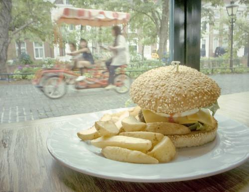 R0015483 : Sasebo Burger