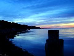 Nie oglądaj się na innych, bo szczeście sprzyja Twoim zamierzeniom. (anka.anka28) Tags: blue sunset sea sky water dusk poland polska explore torpedo niebieski woda gdynia morze niebo pomorze oksywie mywinners formoza torpedownia