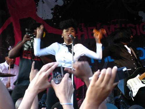 Janelle Monae performs @ AfroPunk 2009 - 1