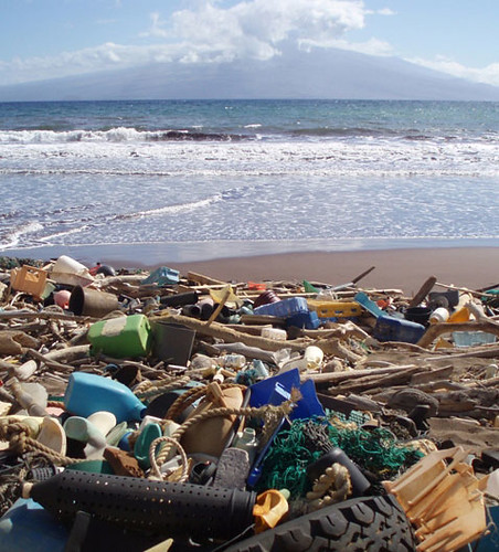 Plastic debris on the beach at Kahoolawe by US Ocean Gov via Flickr