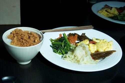 你拍攝的 東岡秀川 早餐。