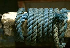 CORDA NA AMARRA (Dudu Linhares) Tags: ties tie knot we ring stuff network rede ns redes networks cordas n lao corda stringed tralha laos argolas dudulinhares