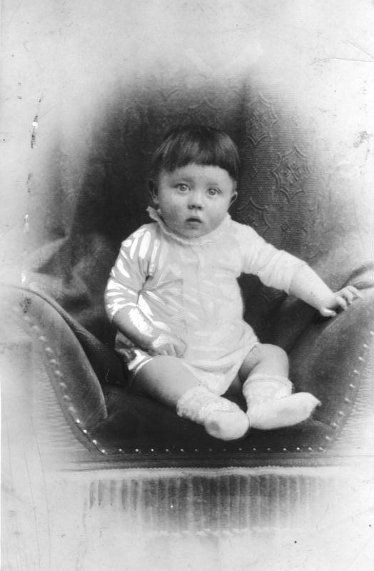 Adolf Hitler de bebé