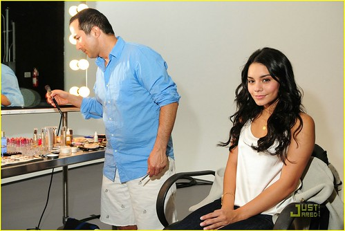 vanessa-hudgens-neutrogena-shoot-03