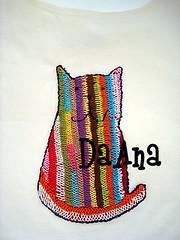 Cat (Bordados DaAna®) Tags: thread shirt cat kitten colorful handmade embroidery feitoàmão kitty tshirt needle gato gata applique tee camiseta handstitched whimsical gatinho agulha amano linha bordado aplique broderie camisola aplicação daana colrido detalhado stitchedbyhand