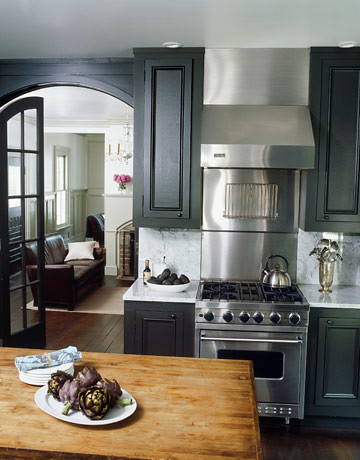 Painted kitchen cabinets Dark gray Ralph Lauren Surrey + white marble countertops