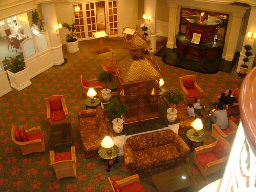 Rotonda central del Hotel donde se accede a los restaurantes y al Cafe Fantasia