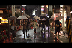 DPP07D9060E053827 (safama) Tags: girls reflection japan night umbrella eos tokyo women mark walk royal ii 5d  ef135mmf2lusm eos5dmarkii