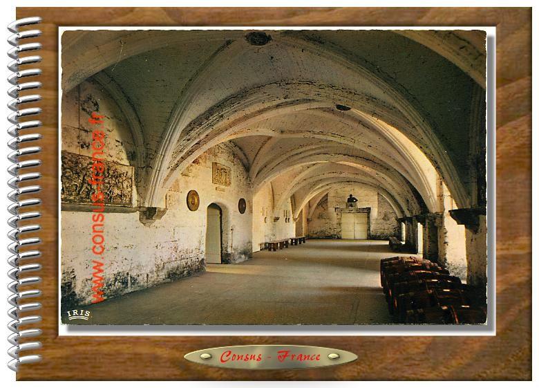 37 - Château de COGNAC  Salle des gardes