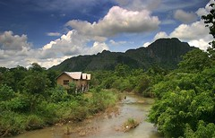 Nam Song (Scott Foy) Tags: mountains canon river asia seasia southeastasia jungle laos vangvieng indochina karsts namsong 400d scottfoy