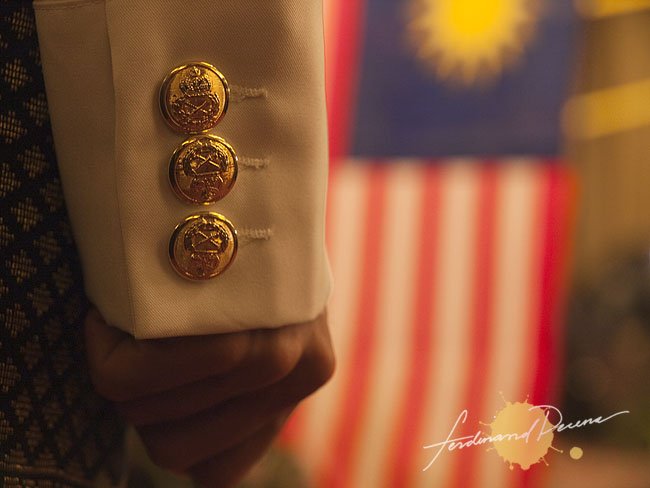 Merdeka, Royal Button Seals and Flag