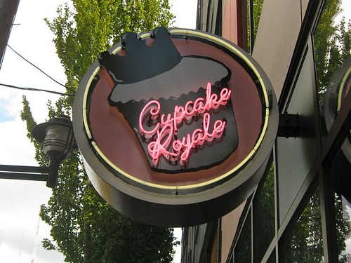Cupcake Royale - Sign
