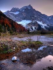 Spritzkarspitze (Karwendel) (Claude@Munich) Tags: alps reflection geotagged austria tirol österreich spiegelung hdr tyrol eng karwendel ahornboden claudemunich vomp mapleplain risbach engalpe spritzkarspitze eiskarlnspitze geo:lat=47402416 geo:lon=115659