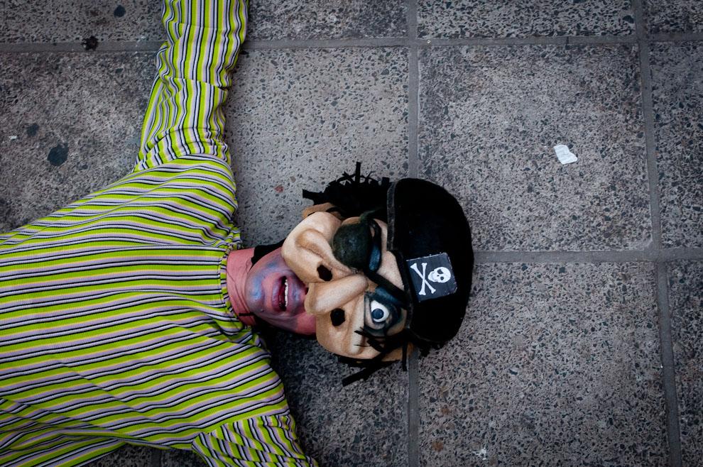 Mercado Guasú, un evento llevado a cabo en las principales plazas del Microcentro de Asunción contó con la presencia de varios artistas musicales y teatrales, entre ellos comicos actores. (Elton Núñez - Asunción, Paraguay)