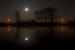 Full moon 2 (Karin Baptist) Tags: trees water night rising fullmoon moonrise reflextion vollemaan spiegeling