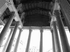 Pantheon entry, Rome, Italy (SpinView) Tags: italy rome italia columns pantheon archway nikoncoolpix995