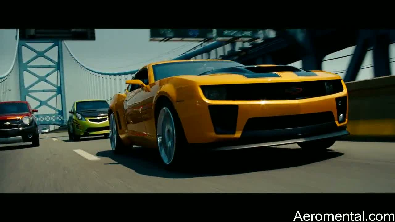 Transformers 2 Bumblebee y los gemelos