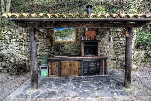 Cabaña de Piedra La Silla de la Reina -Treceño - Cantabria - Barbacoa