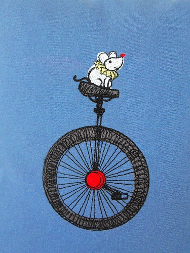 Circus Mouse on Linen
