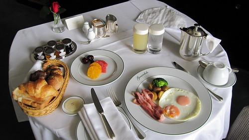 ルームサービス-朝食-