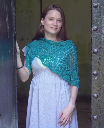 Bliss shawlette