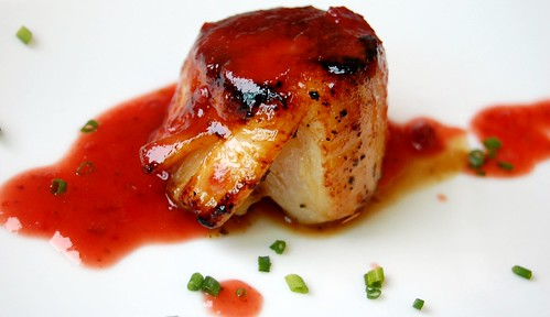 Baja Scallops with Strawberry and Chile Morita puree - La Cocedora De Langosta Ensenada