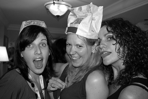 Loralee (loraleeslooneytunes.com), Amy (amalah.com), and Angella (dutchblitz.net) at the Cheeseburger Party at BlogHer '09