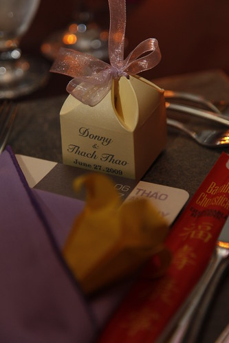 Menu setting with origami and favor