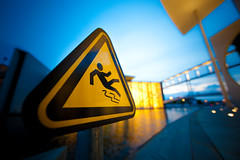 Slippery slope (96dpi) Tags: berlin sign yellow warning triangle bokeh mel schild gelb government bluehour parlament unscharf paullbehaus regierungsviertel warnung blauestunde dreieck plh marieelisabethldershaus gettygermanyq3