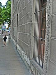 Siempre corriendo (Bishobixente) Tags: bravo ciudad valladolid runner carrera chancilleria photoaward anawesomeshot colorphotoaward goldenphotographer diamondclassphotographer
