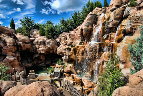 WDW Oct - Water Flows