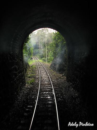 Rio Negrinho tren a vapor tunel ferroviario