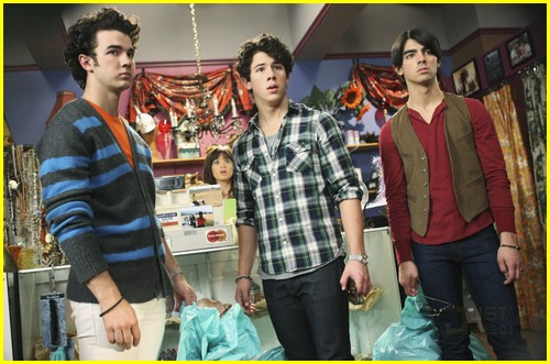 jonas-brothers-run-for-life-08