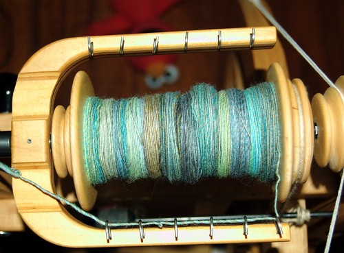 knitty_color_leafy_seadragon_wheel