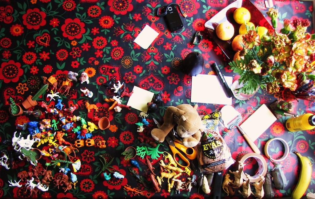 Kitsch kitchen table 142-365